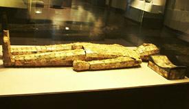 Jadeitowy strój pogrzebowy króla Zhao Mo - władcy Yue