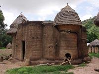 Togijski dom-zamek