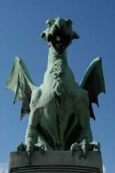 Jedna z rzeźb na Smoczym Moście/fot. stock.xchng