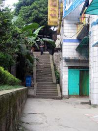 schodki na jednej z uliczek